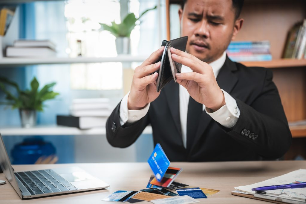 Debt-consolidation-with-bad-credit-maybe-the-only-answer-for-this-guy-who-has-maxed-out-all-of-his-credit-cards